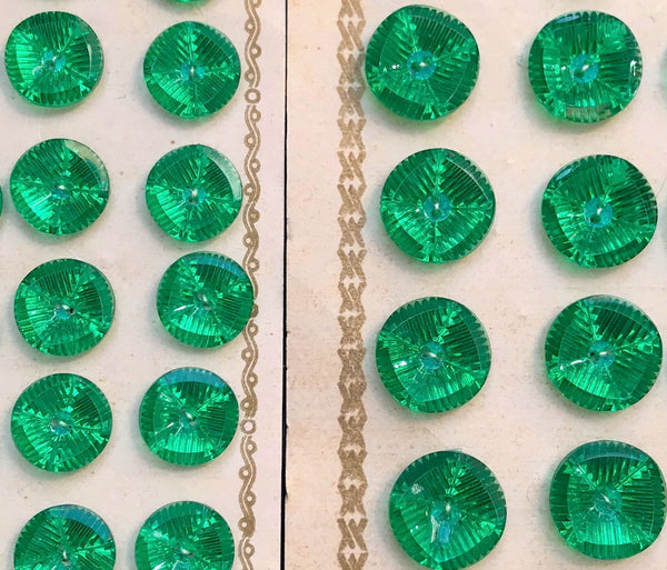 24 Vintage Sparkly Emerald Green 13 or 16 mm Buttons