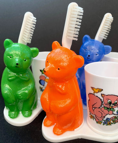 "Pleading Bear ""PLEASE clean your Teeth ..!"" Vintage Toothbrush Holder"