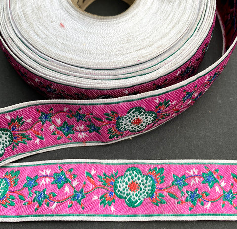 Intertwined Leaves and Flowers Pink Vintage Trim - 2.5cm wide