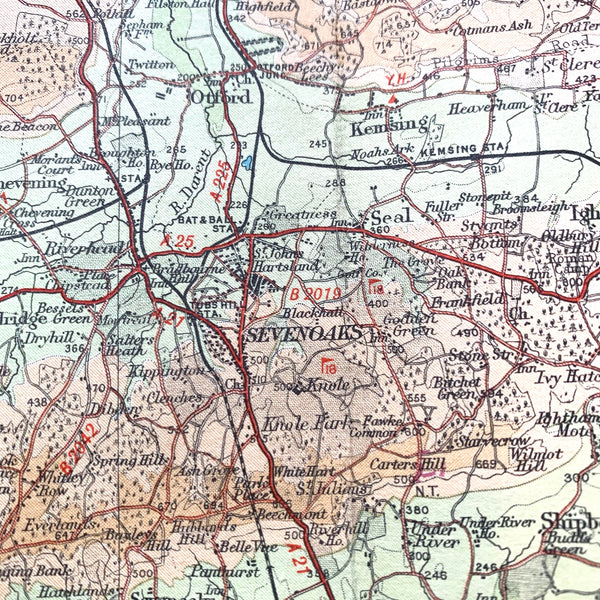 Fascinating 1940s Map of Surrey including London