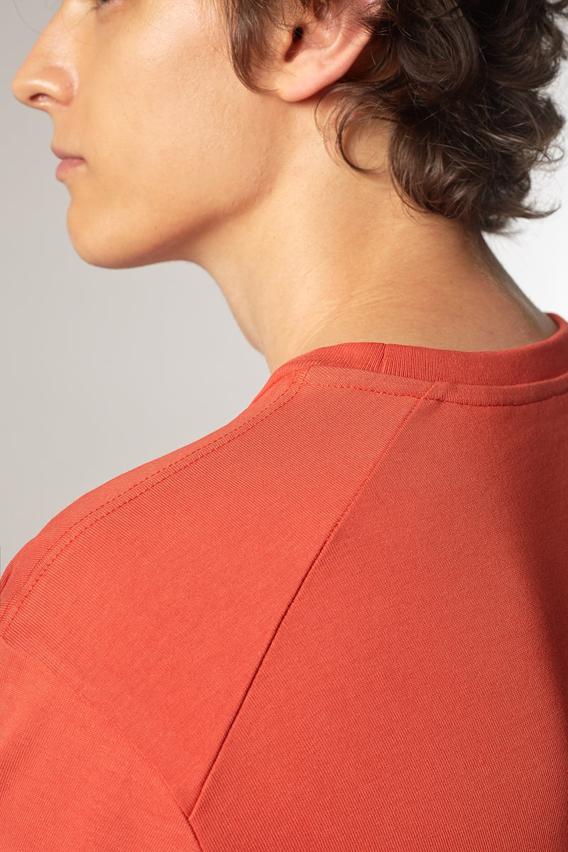 MOVE T-Shirt in Bio-Baumwolle rot Passform relaxed Detailansicht
