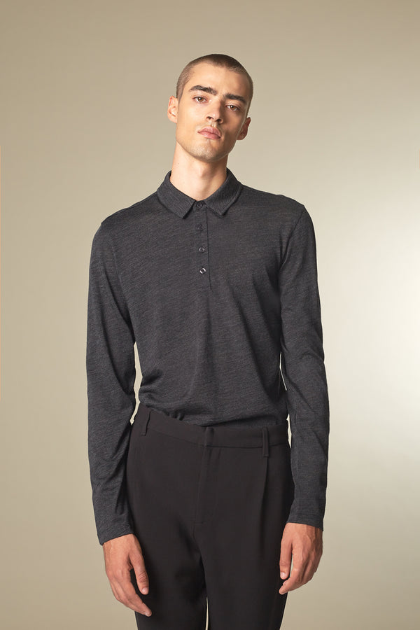SOURCE Langarm Polo in Kaschmir dark grey Passform slimfit vordere Ansicht