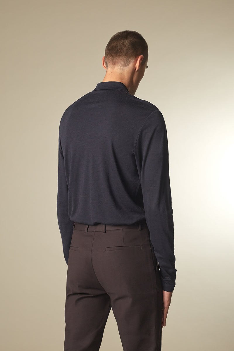 SOURCE Langarm Polo in Kaschmir midnight Passform slimfit hintere Ansicht