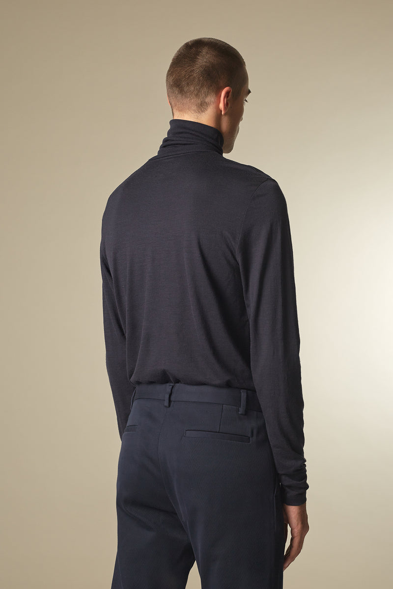 COVER Langarmshirt in Merino midnight Passform slimfit hintere Ansicht