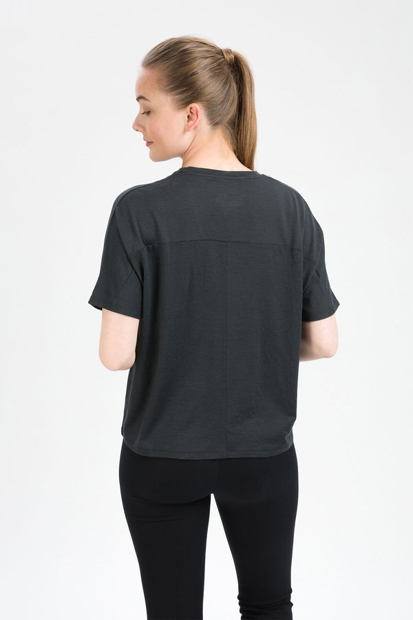 AMAZE T-Shirt in Merino grau graphite anthrazit Passform relaxed hintere Ansicht