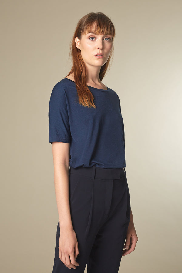 BATTY T-shirt in Tencel navy Passform relaxed vordere Ansicht