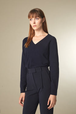 COSE Langarmshirt in Merino midnight Passform relaxed vordere Ansicht