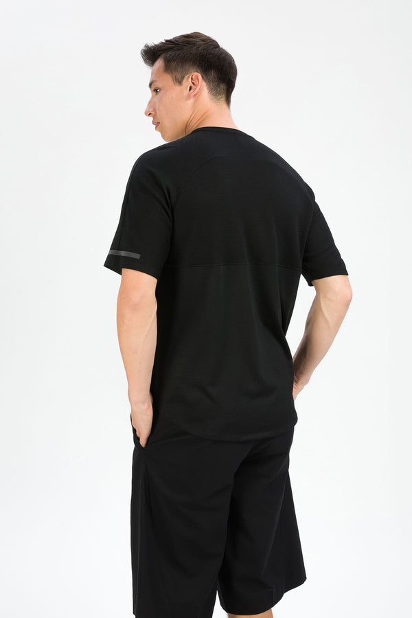 MOTION T-Shirt in Merino schwarz Passform normal hintere Ansicht