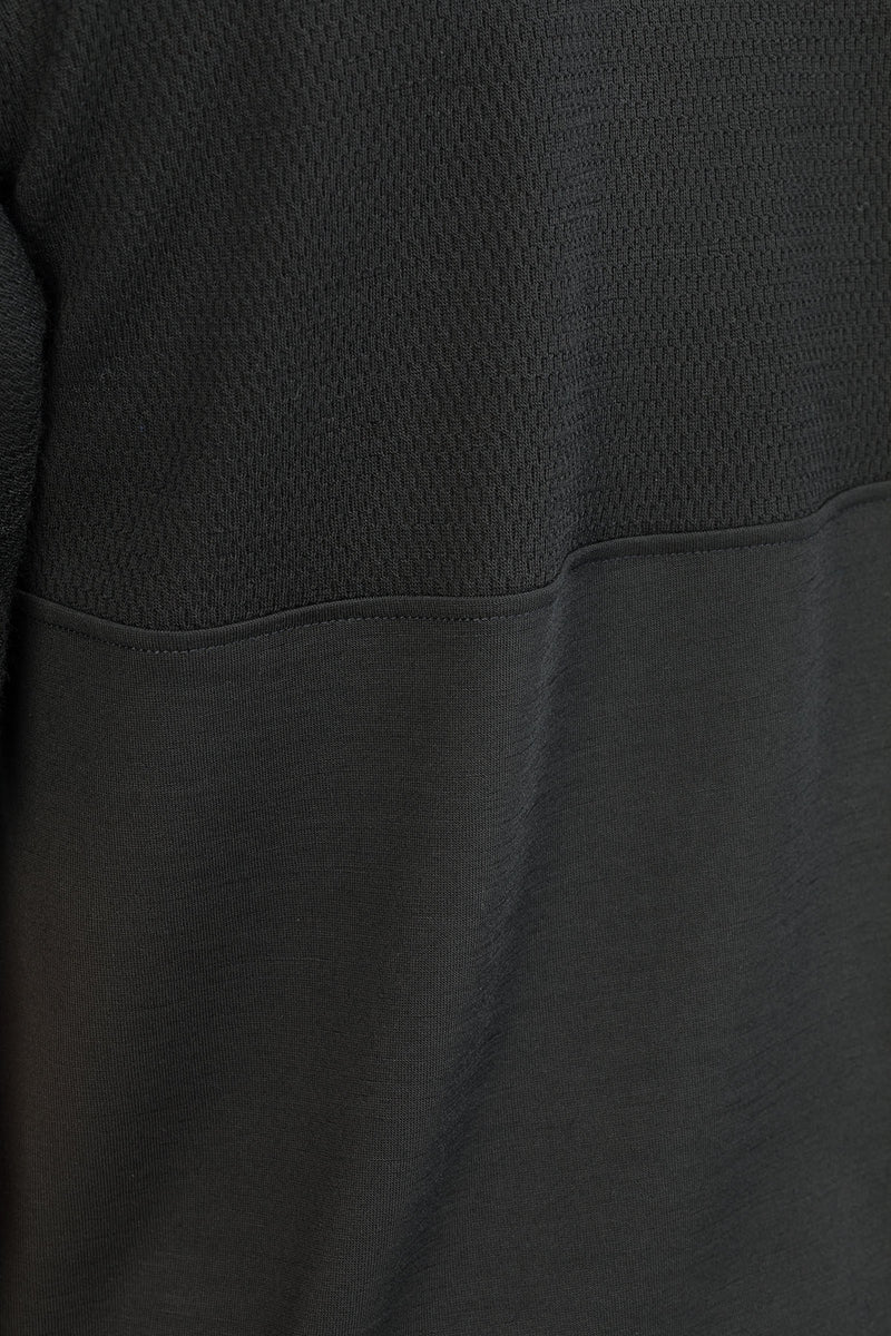 MOTION T-Shirt in Merino schwarz Passform normal detail Ansicht