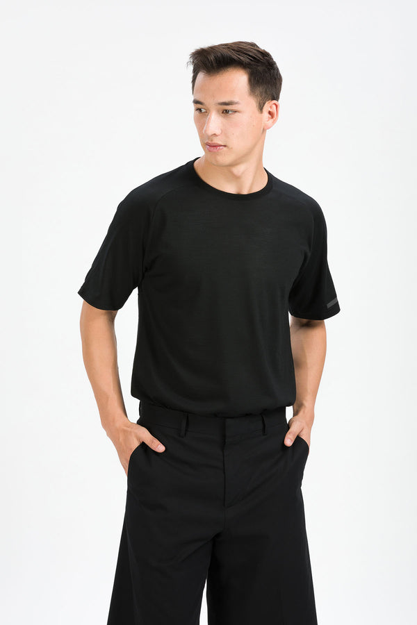 MOTION T-Shirt in Merino schwarz Passform normal vordere Ansicht