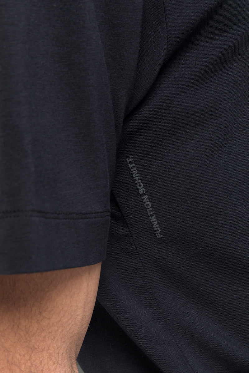 MOVE T-Shirt in SeaCell schwarz Passform relaxed detail Ansicht