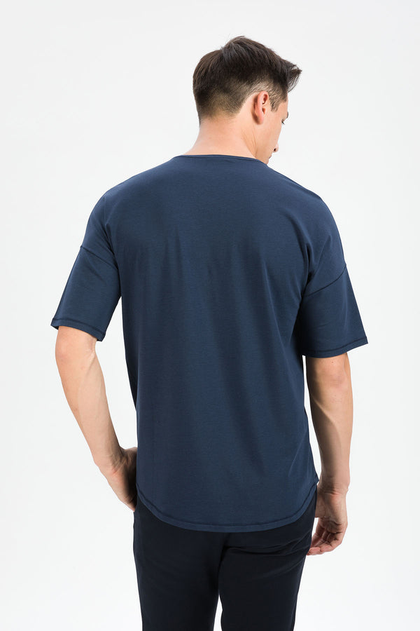 RECHARGER T-Shirt in SeaCell navy Passform relaxed hintere Ansicht