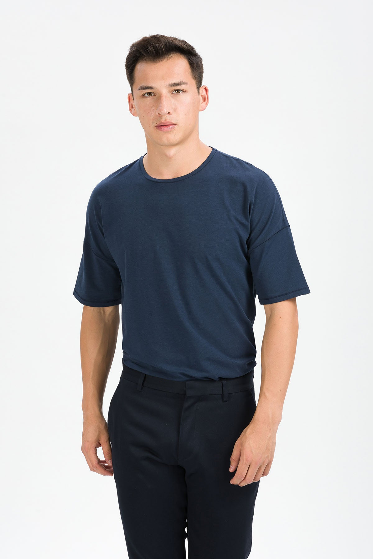 RECHARGER T-Shirt in SeaCell navy Passform relaxed vordere Ansicht