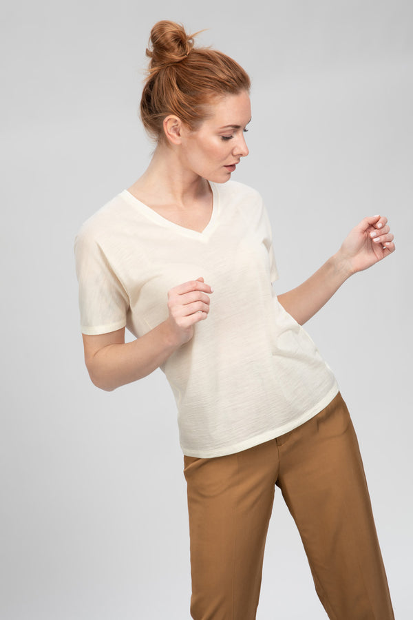 TREE T-Shirt in Merino weiß Passform relaxed vordere Ansicht