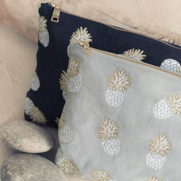 Ananas Cloud Wash Bag