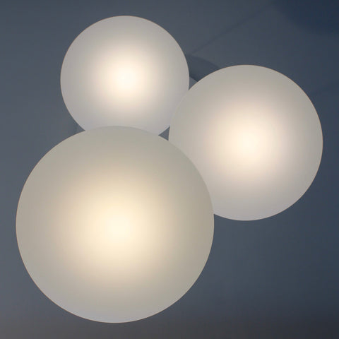 Etheletta 3 Drop Lighting Suspension, Etheletta 3-Drop Suspension from below, Calm white lighting, stairwell lighting