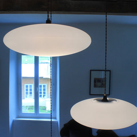 Etheletta 3 Drop Lighting Suspension, Etheletta 3-Drop Suspension, Side view Etheletta, Calm white lighting, stairwell lighting