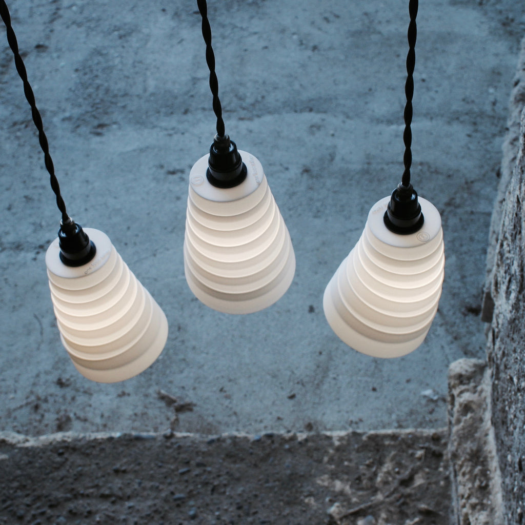 Whip 3-Drop Suspension lighting, directional lighting, malleable form, cultural lighting, 3Dprinted lampshade, LED 1W-4W