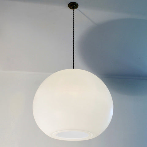 modern globe pendant lighting, contemporary elegant lighting, white lights, calm lighting, kitchen dining suspension, living room lighting