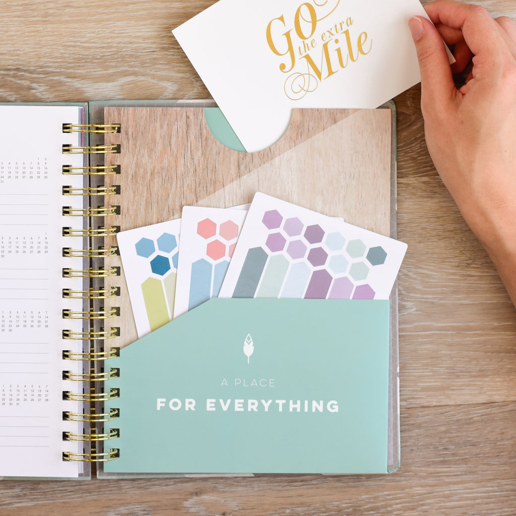 The best planner for 2018 with thick paper, extra storage pockets and goal features