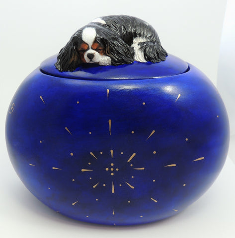 Large pet keepsake box / cremation urn