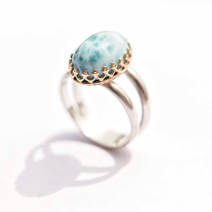 Larimar in Gold
