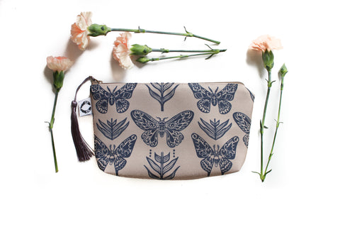 Small moth Zippy purse
