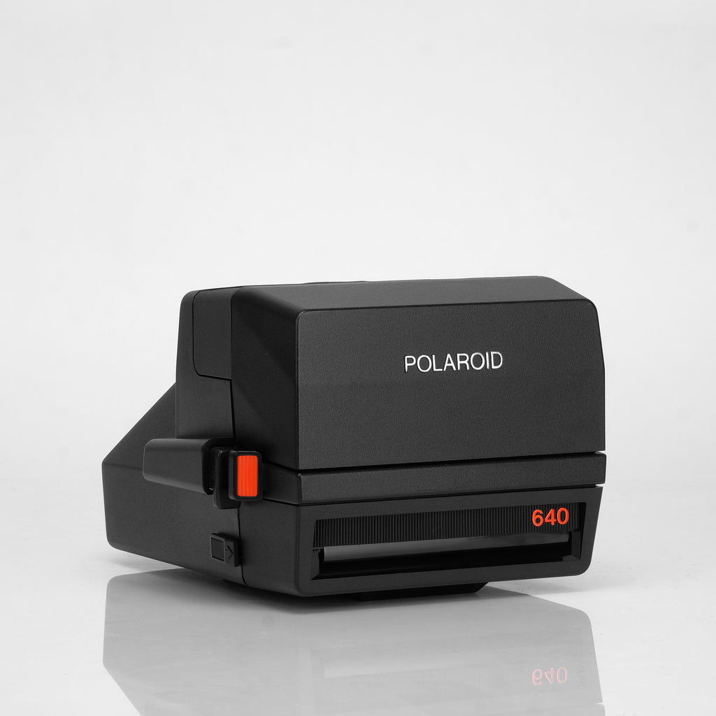 Refurbished Polaroid 600 Camera - 640