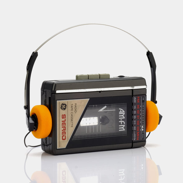 GE AM/FM Portable Cassette Player