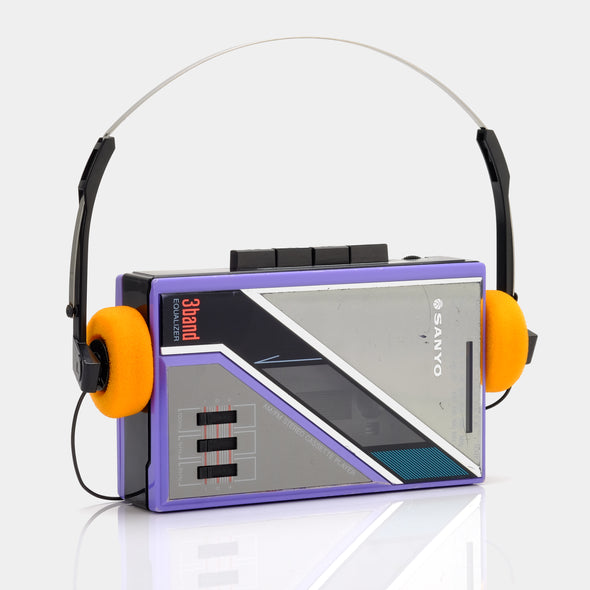Sanyo 3-Band Portable Cassette Player