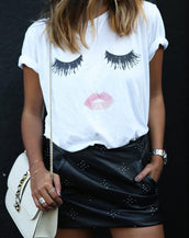 Chic Eyelash Lip Printing Tee