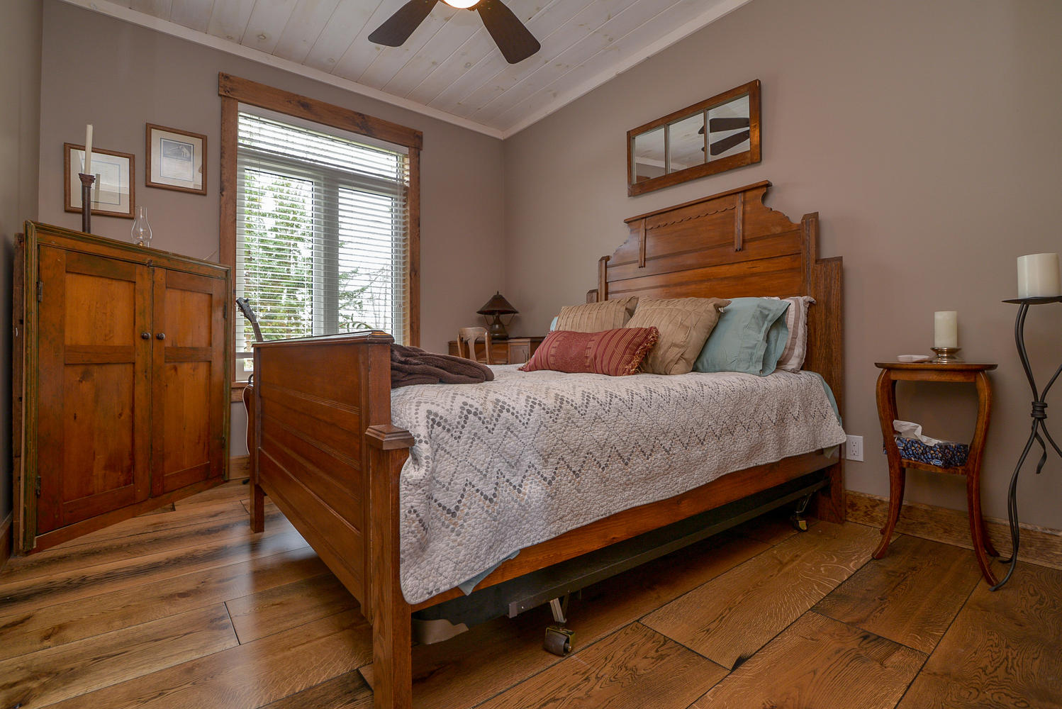Pictures of Wide plank white oak flooring in large planks