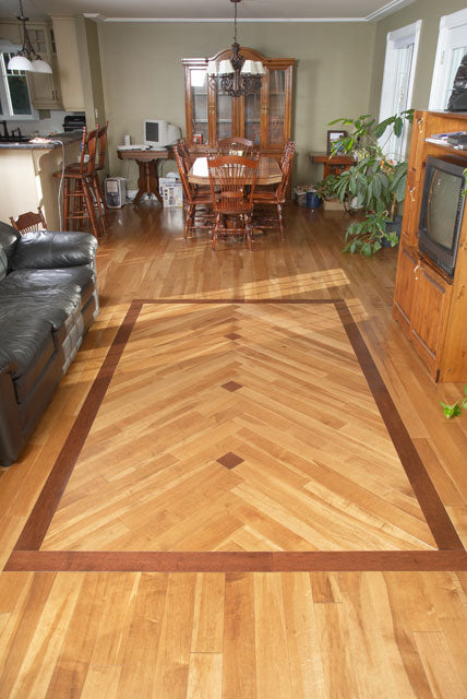 light maple flooring with a pattern diamond flooring installation