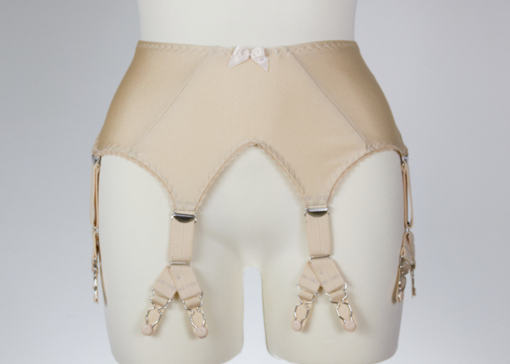 Y- Straps  V clips Add Y-straps to any garter belt from Cocos'RetroCloset shop