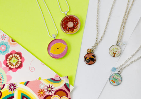 Intro to Resin Jewelry Making Class