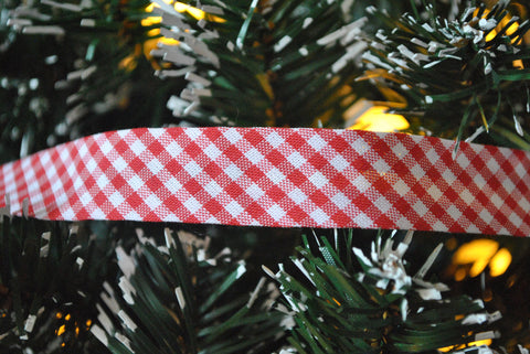 Red Gingham Bias Binding - The Christmas Fabric Shop - 1