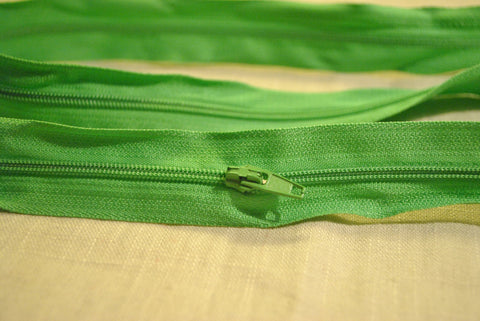 Apple Green Zip - The Christmas Fabric Shop