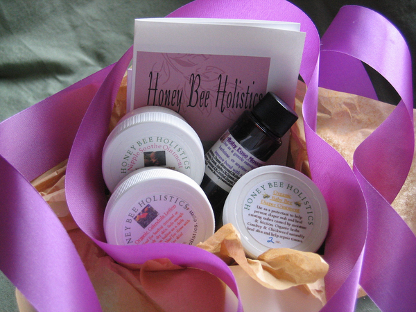 Organic Mama & Baby Gift Set - Comes gift wrapped FREE with gift tag ready to give
