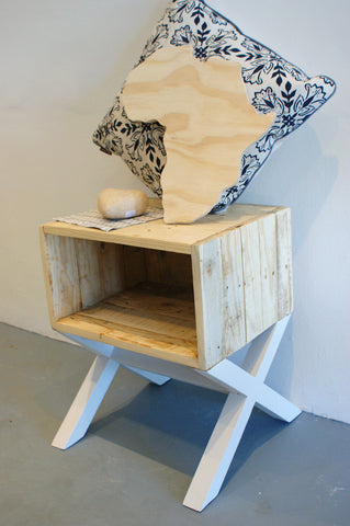 ET Side Table