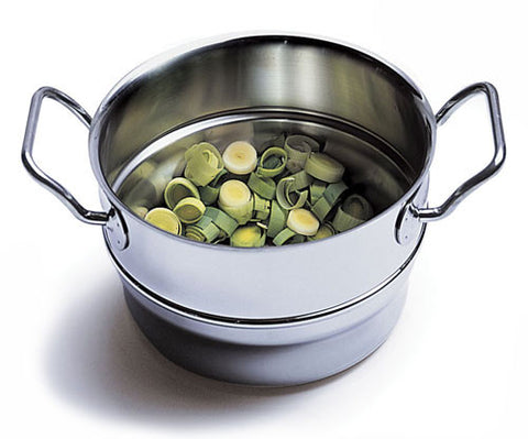 Silga Teknika Stainless Steel Steamer Insert With bright green leeks inside
