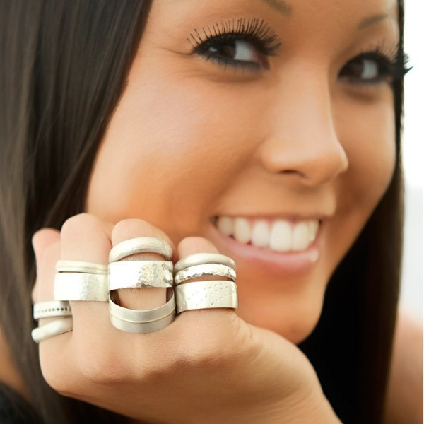 Selection of stacked rings on model
