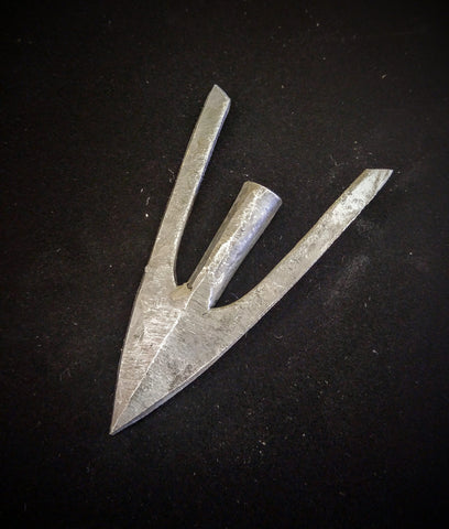 Medieval Arrowhead - Broad Tail Point