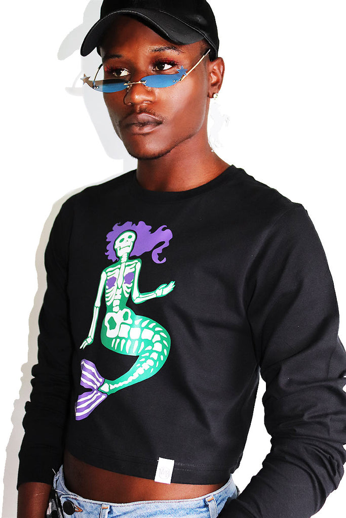 Undead Mermaid Long Sleeve Crop Tee-Black