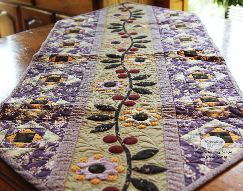 Blackberry Ramble Table Runner Pattern | Pine Valley Quilts