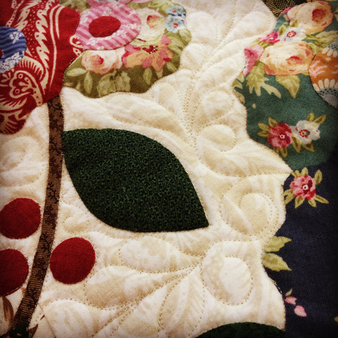 Quilting on Roses Quilt | Sharon Keightley Quilts