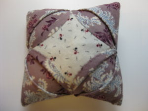 Cathedral Window Pincushion / Pine Valley Quilts
