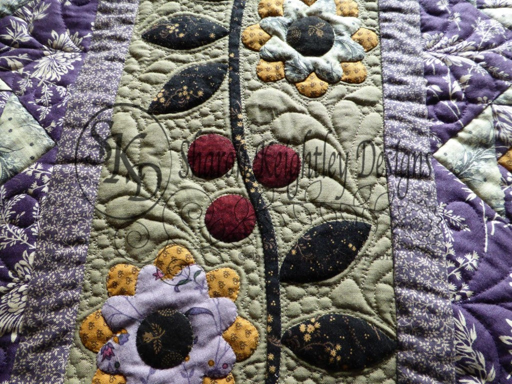 Blackberry Ramble Table Runner