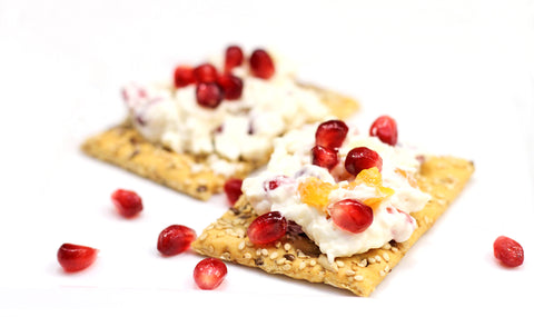 healthy-snacks-cheese-crackers