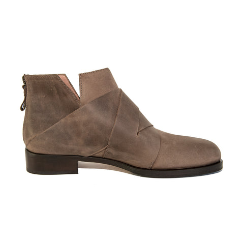 Quoque Leather Woven Ankle Boots in Nut Brown - GL Shops