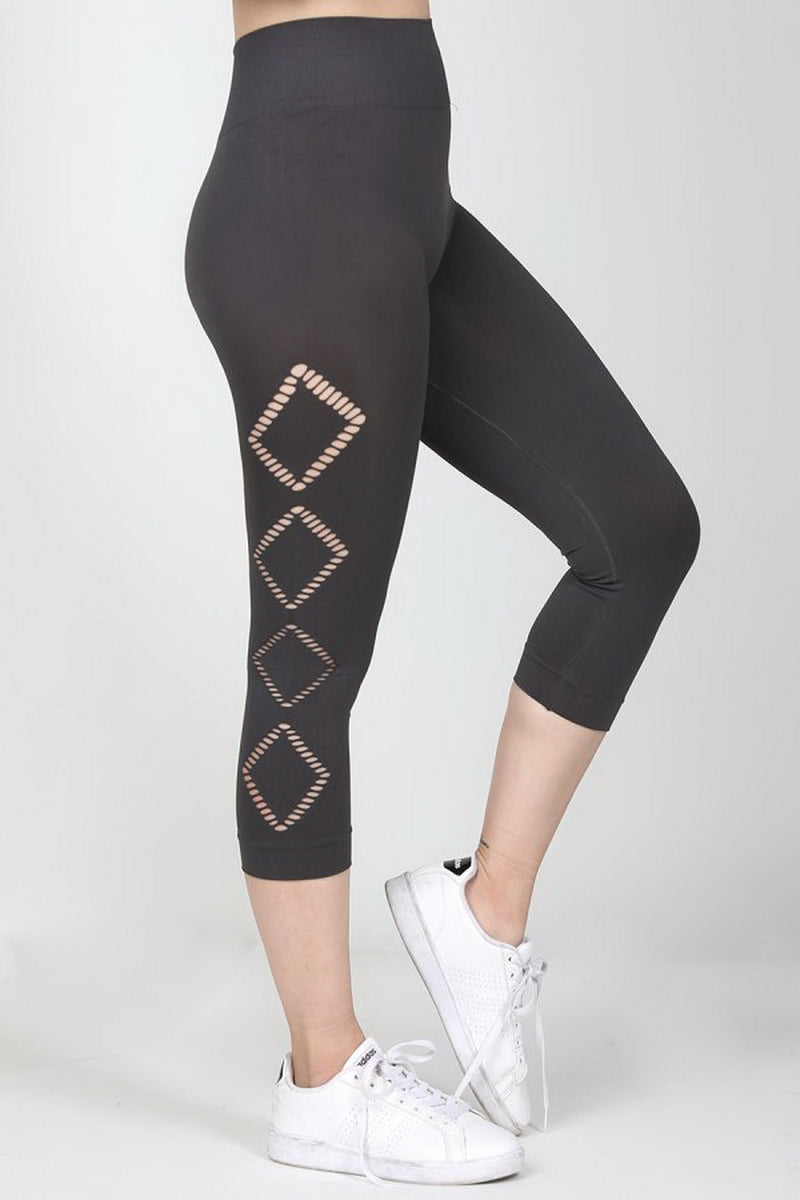 Black Side Mini Diamond Cut Out Cropped Leggings